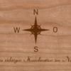 Holzkarte mit Windrose